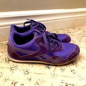 Ladies 8 US Retro Classic Reebok Sneakers